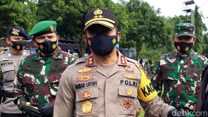 Kapolda Jateng Irjen Ahmad Luthfi usai membuka latihan gabungan TNI-Polri itu di Mako Brimob Kompi 3 Batalyon C Pelopor Polda Jateng, Gunung Kendil, Mojosongo, Boyolali, Kamis (7/1/2021).