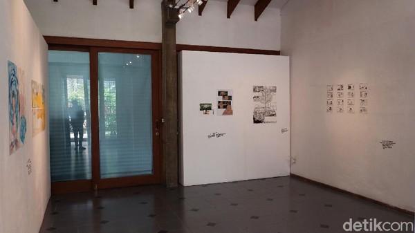Pameran lukisan itu digelar di Ruang Segi Empat, Jalan Golf Dago nomor 3, Cigadung, Bandung. Ada lima seniman yang dilibatkan dalam pameran tersebut diantaranya M. Rico Wicaksono, Hadisti Chairunisa, Ramdhan H. Turgana, Putut Pramudiko, dan Mawar D.P.