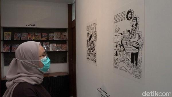 Kehadiran stand buku yang menjual beragam komik lawas itu dapat menjadi surga tersendiri bagi para pencinta komik.