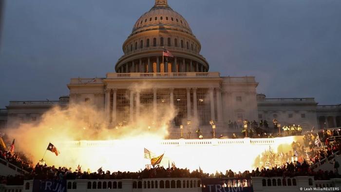 Massa Pendukung Trump Serbu Gedung Capitol, Pengamat: Ini Pengkhianatan