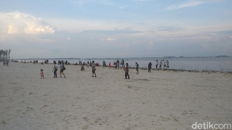 Pantai Pasir Putih PIK2