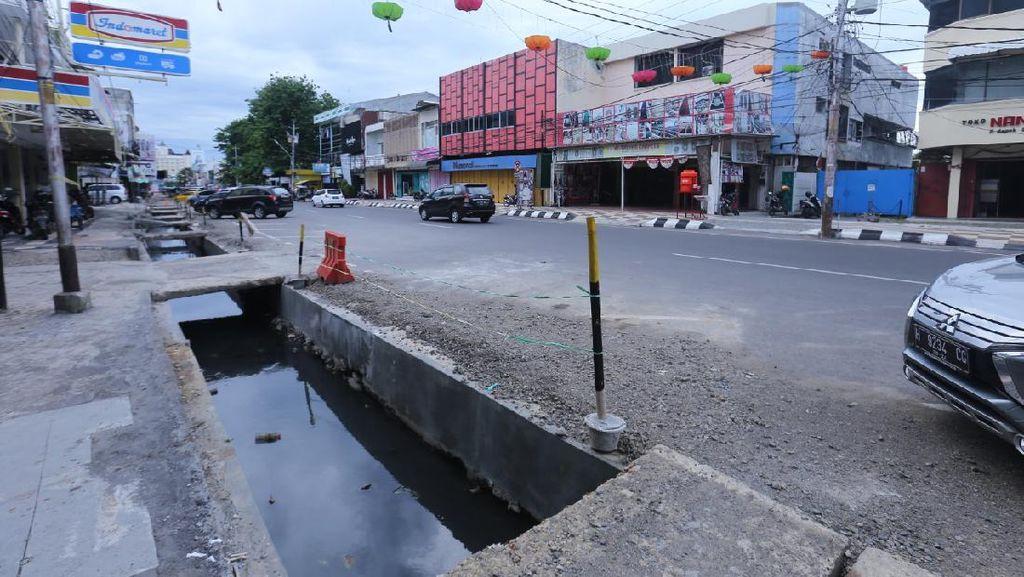 Atasi Genangan Air, Pemkot Semarang Normalisasi Drainase Jalan Depok