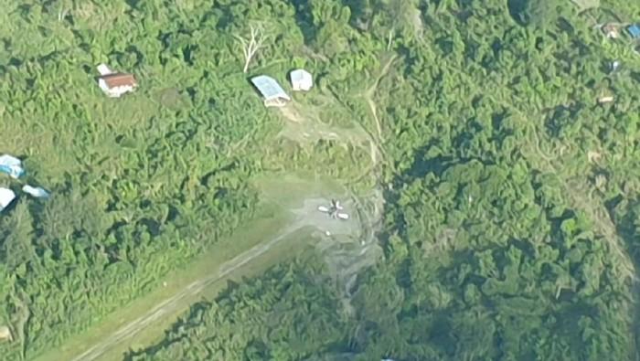 Pesawat di Intan Jaya dibakar KKB.