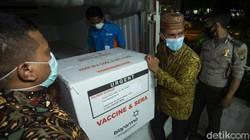 Vaksin COVID-19 Sinovac untuk DKI Jakarta sebanyak 78.400 dosis dan siap didistribusikan oleh Dinas Kesehatan ke puskesmas atau faskes rujukan di Ibu Kota.