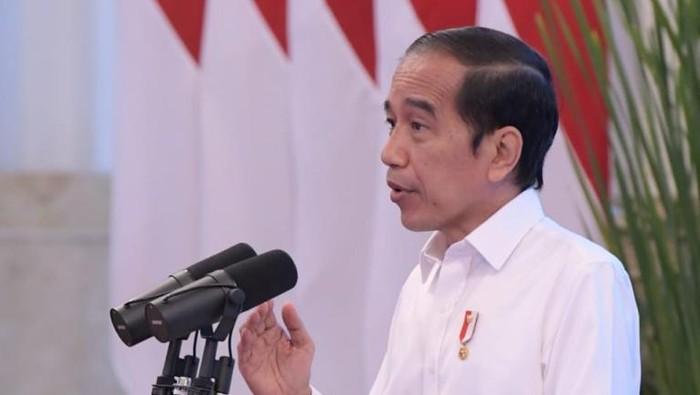 Presiden Jokowi saat rapat terbatas penanganan COVID-19 di Istana Negara
