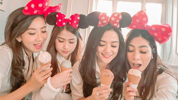 Cantiknya Citra Monica saat Makan Es Krim