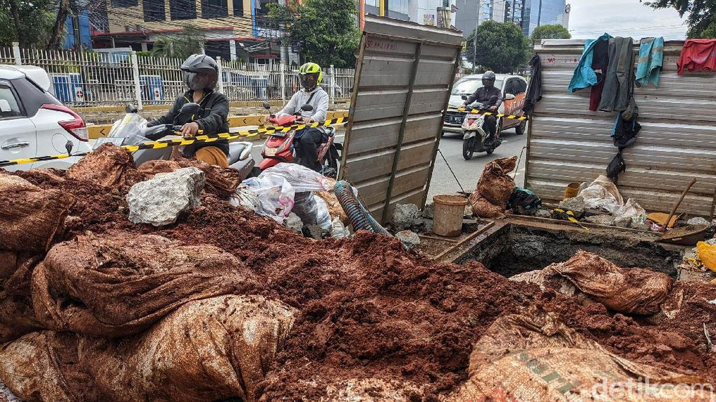 Anggota DPRD Pun Keluhkan Galian di DKI: Perlu Buat Manhole