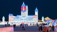 Namun, Ice and Snow World dan Sculpture Expo yang menjadi acara utama tetap dibuka (Getty Images)