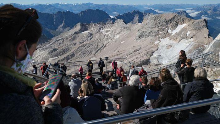 Gletser tertinggi dan terbesar di Jerman, Schneeferner, kemungkinan besar akan menghilang sepenuhnya beberapa tahun mendatang akibat pemanasan global.