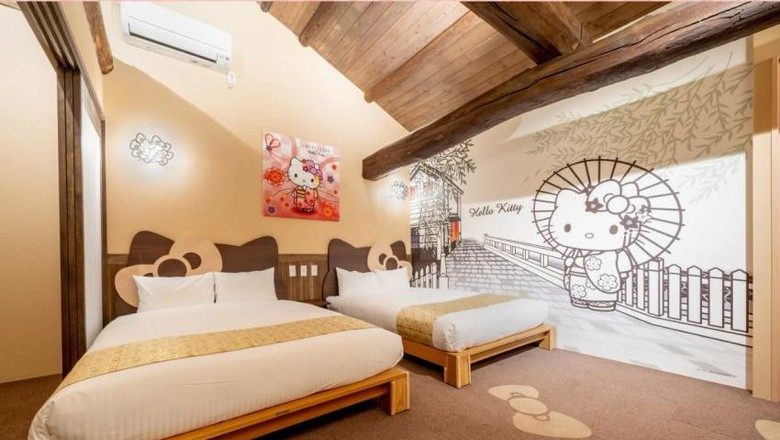 Tokoh kartun Hello Kitty memang sering diajak berkolaborasi dengan hotel. Uniknya kali ini ada penginapan tradisional Jepang yang menggunakan tema kucing gemas tersebut.