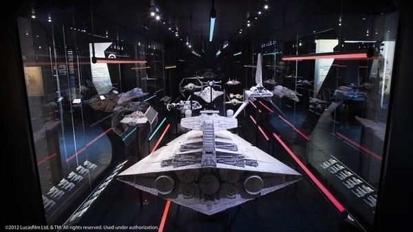 Ada sekitar 200 item ikon pameran yang berasal dari Lucas Museum of Narrative Art di Los Angeles.
