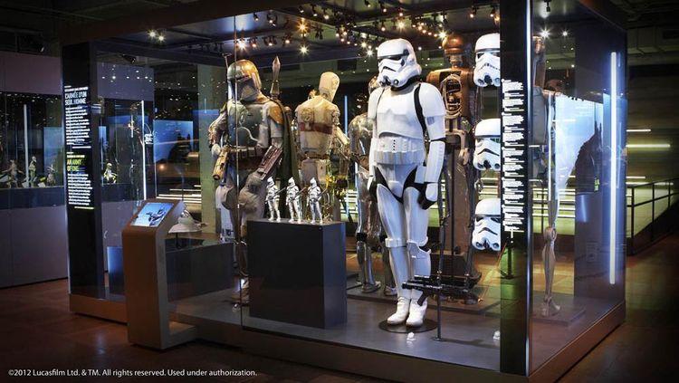 Foto: Jelajahi Dunia Luar Angkasa di Pameran Star Wars