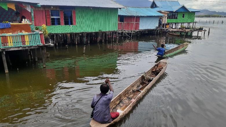 Perahu Perempuan Sentani