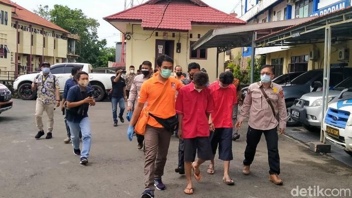 Rekonstruksi penusukan dua anggota TNI di Kabupaten Rejang Lebong, Bengkulu digelar di Mapolda Bengkulu (Hery Supandi/detikcom)