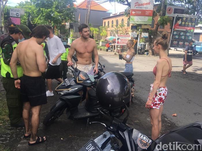 Sejumlah WNA di Badung, Bali, ditindak karena tak taat protokol kesehatan (dok Satpol PP Badung)