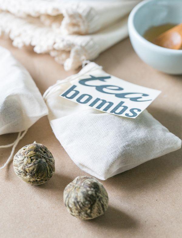 Tea Bomb, Cara Unik Menikmati Segelas Teh di Musim Hujan