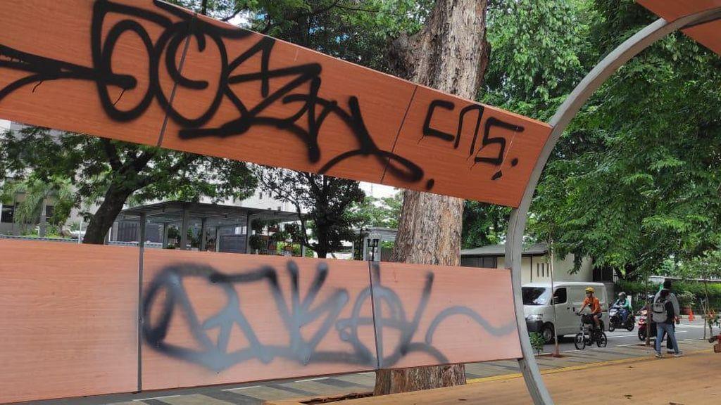 Video Taman-Trotoar di Seberang KBB BNI City yang Bikin Miris