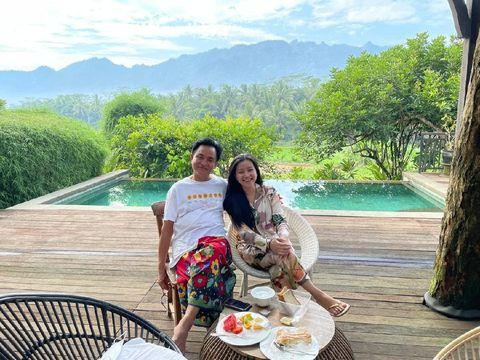 Yusril Ihza Mahendra dan istri