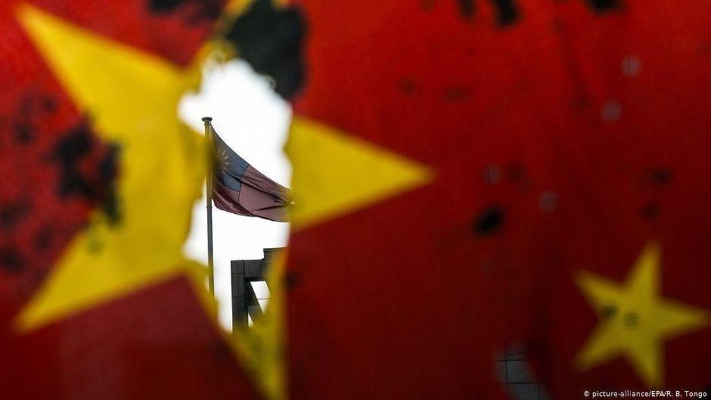 China Ingatkan AS Bermain dengan Api Jika Kirimkan Dubes ke Taiwan