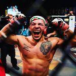 Petarung UFC Tusuk Saudara Sendiri karena Bisikan Gaib