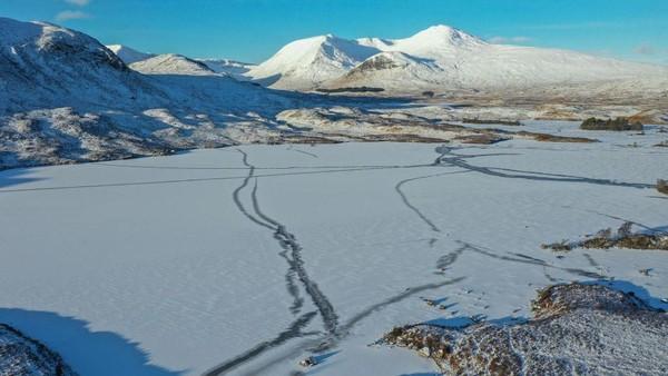 Skotlandia kini berada pada suhu -7°C.