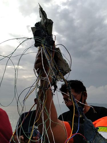 Puing diduga dari pesawat Sriwijaya Air PK-CLC yang hilang kontak di Kepulauan Seribu (dok Istimewa)