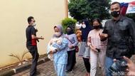Keluarga Korban Sriwijaya Air Diambil Sampel DNA di RS Polri