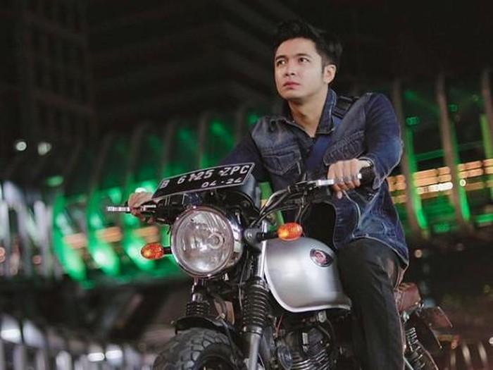 Faisal Rahman YouTuber yang naik Sriwijaya.