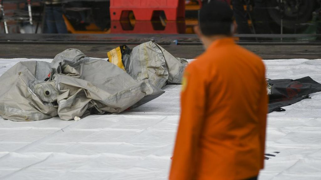 Foto: Serpihan Pesawat-Korban Sriwijaya Air SJ182 Ditemukan