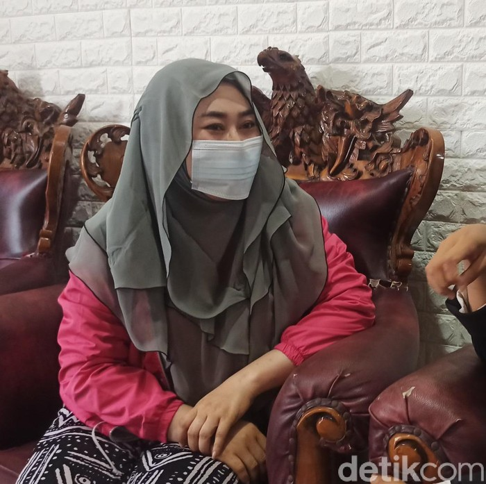 S (36) ibu yang dipolisikan anaknya kini penahanannya ditangguhkan, Minggu (10/1/2021)