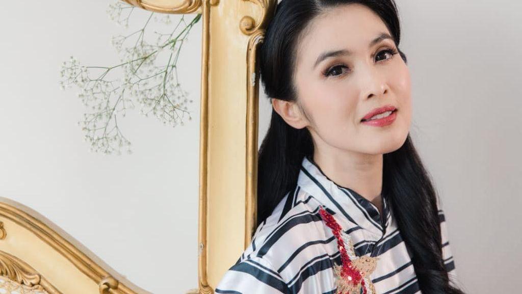 10 Bulan Tanpa Karya, Sandra Dewi Akhirnya Kembali!