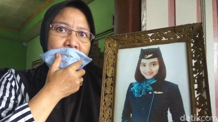 Seorang pramugari asal di Bandung Barat menjadi koran Sriwajaya Air