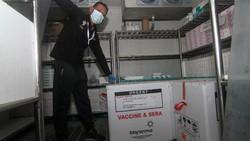 Badan Pengawas Obat dan Makanan (BPOM) resmi mengeluarkan izin penggunaan darurat atau emergency use authorization vaksin COVID-19 Sinovac. Begini alasannya.