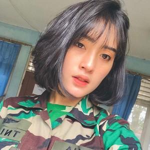 Ini Asha Ramadia, Sosok TNI AU Cantik Viral yang Ternyata Jago Tembak