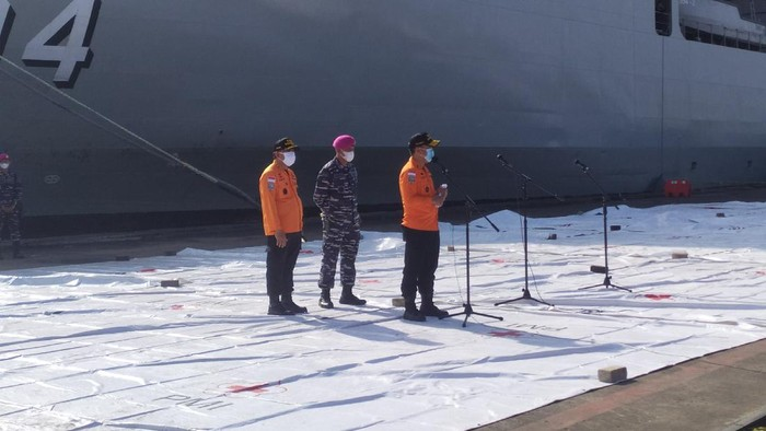 Basarnas dan Tim SAR gabungan melanjutkan pencarian Sriwijaya Air hari ini (Foto: Luqman/detikcom)