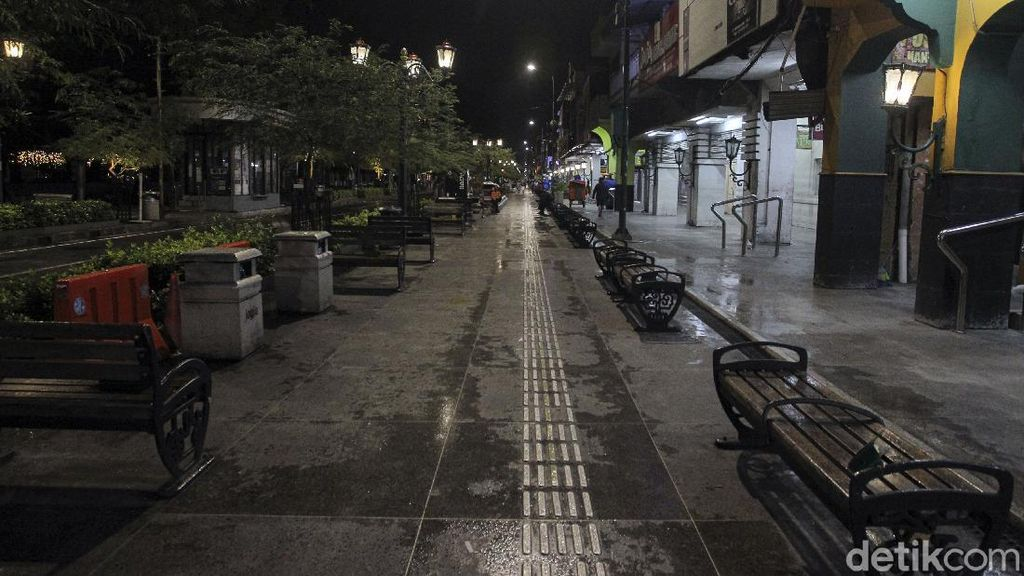 Foto: Suasana Malioboro di Hari Pertama Penerapan PTKM