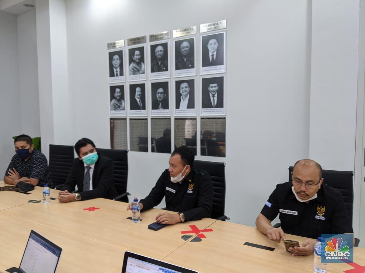 Komisioner BPKN bertemu Kuasa Hukum Korban Grab Toko dan Para Korban terkait dengan kasus Grab Toko (CNBC Indonesia/ Emir Yanwardhana)