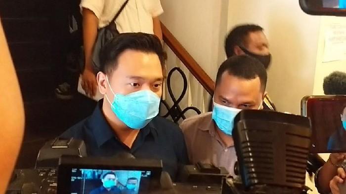 Michael Yukinobu Defretes jalani wajib lapor