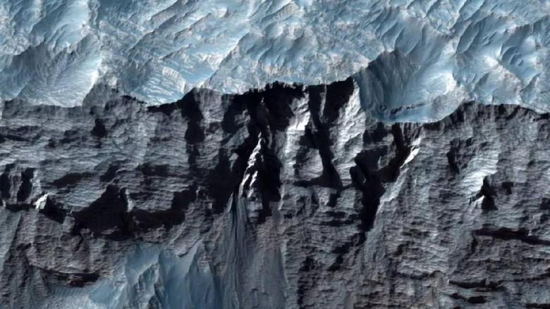 Nasa rilis foto ngarai di planet Mars