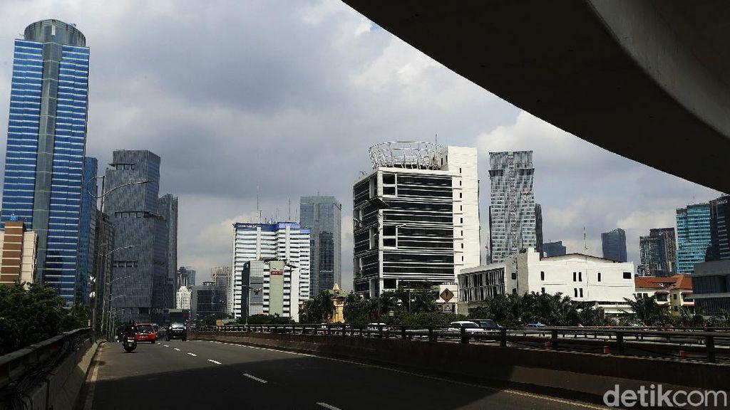 Suasana Jakarta di Hari Pertama PPKM