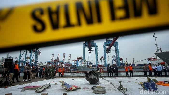 Jumlah kantong jenazah korban pesawat Sriwijaya Air SJ182 terus bertambah. Hingga malam ini  total ada 45 kantong jenazah yang sudah diterima Basarnas.