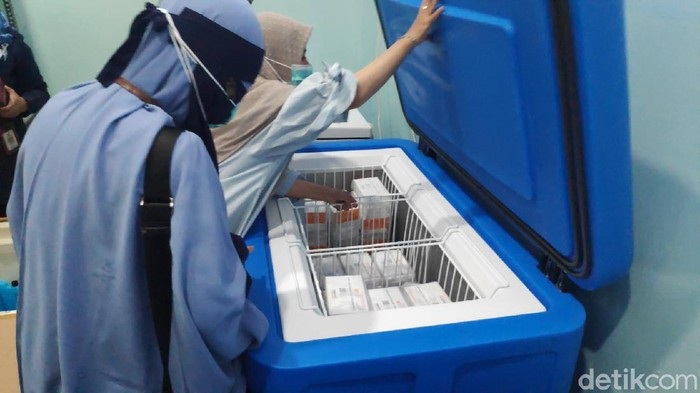 3.000 Vaksin sinovac yang diterima Kabupaten Maros (Bakrie/detikcom).