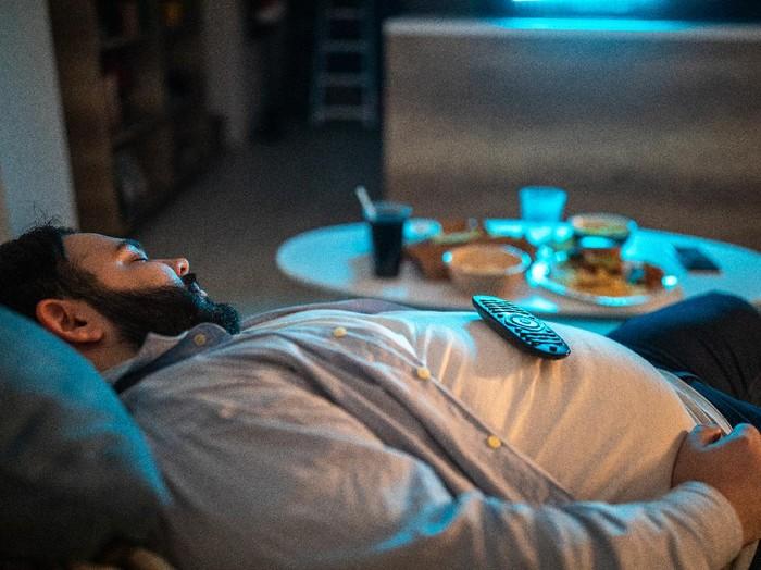 5 Bahaya Gegoleran Setelah Makan