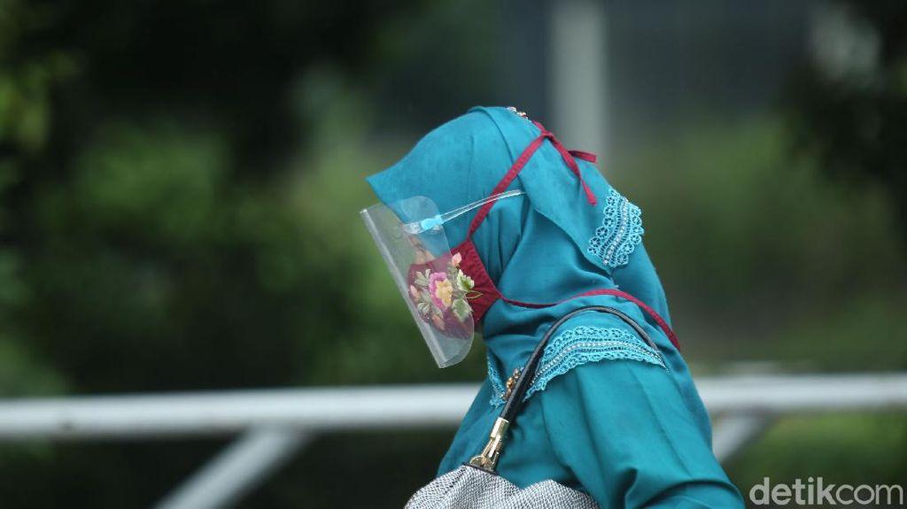 Biar Filtrasinya Tetap Oke, Begini Tips Cuci Masker Kain Menurut Dokter Paru