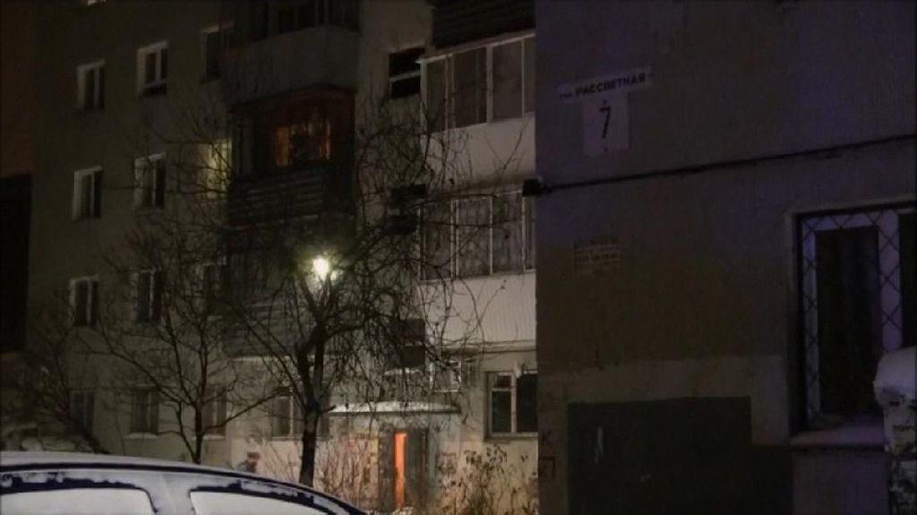 Apartemen 9 Lantai di Rusia Terbakar, 8 Orang Tewas