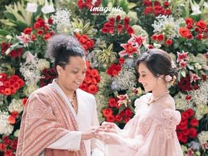 Indah Permatasari & Arie Kriting Nikah, Ini Kisah di Balik Baju Pengantinnya