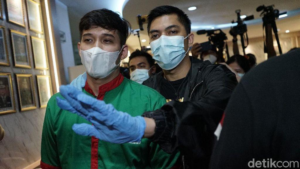 Askara Parasady Dituntut 1 Tahun Penjara atas Kasus Narkoba dan Senpi