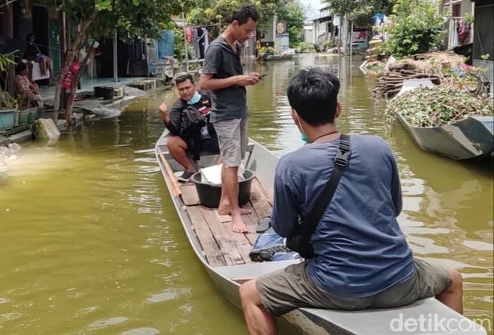 Banjir Bengawan Njero, Perahu Kembali Jadi Primadona