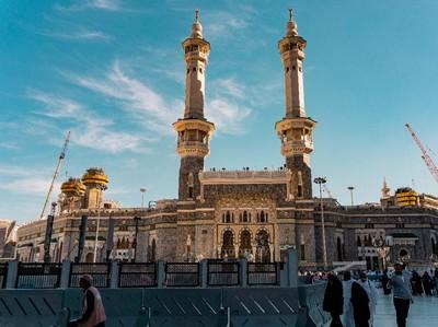 Berencana Keliling Asia? Wajib Mampir ke 7 Masjid Terindah di Asia Ini