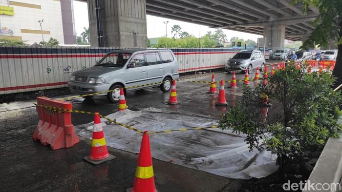 Jl KH Noer Iskandar, seberang Metropolitan Mall, Bekasi, dulu rusak, kini diperbaiki. (Syahidah Izzata/detikcom)
